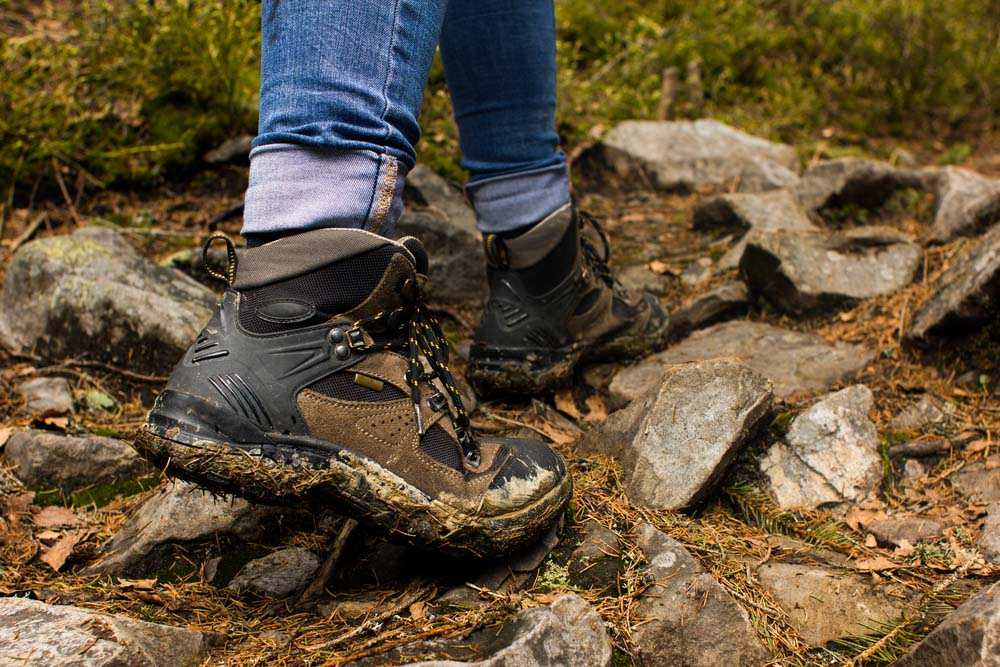 Hiking Shoes with traction