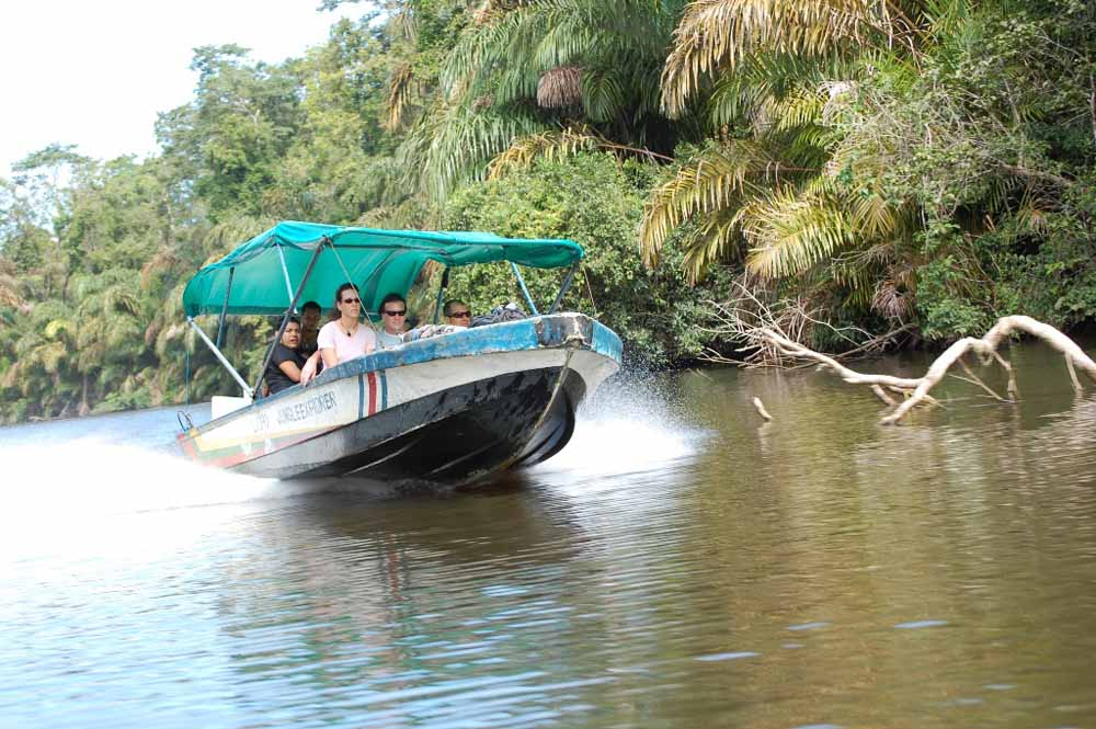 Speed boat at Tortuguero National Park
