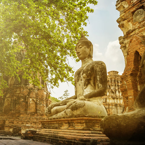 Thailand - Ayuthaya Historic Park - gilded temples and ancient treasures