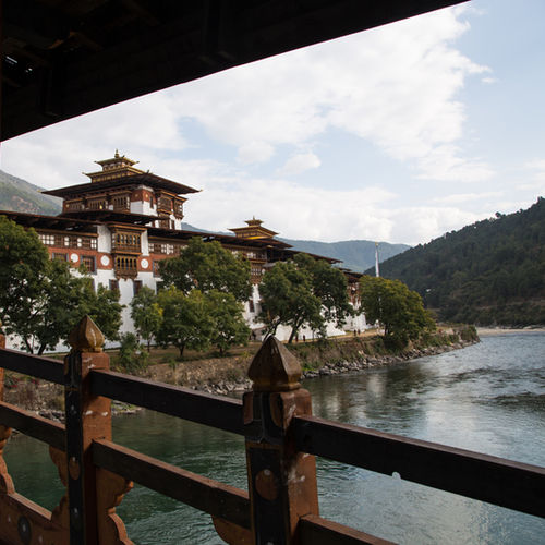 Bhutan - Explore Traditional Bhutanese culture in Punakha Dzong