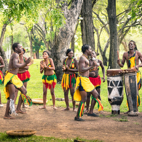 Uganda - Ndere Centre: The Tribal Art Experience