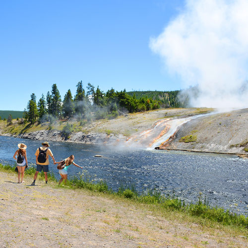 Western USA - Explore the world's first (and most iconic) national park: Yellowstone