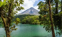 Costa Rica Travel - Arenal Volcano National...